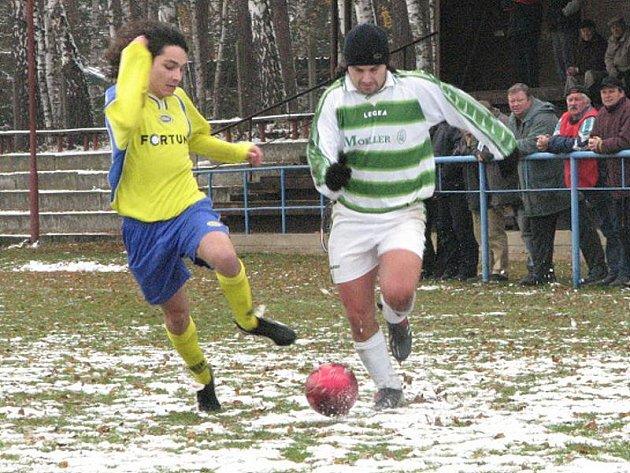 OPORA. Ferdinand Korunka (vpravo) byl hlavní postavou fotbalistů Suchdola v podzimní části I. A třídy.