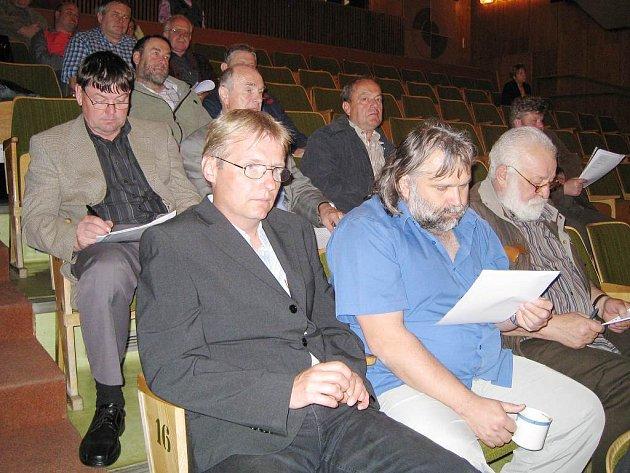 V kinosále jindřichohradecké Střelnice se  konalo setkání starostů regionu se zástupci kraje.