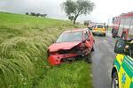 Vážná dopravní nehoda na silnici z Jindřichova Hradce na Políkno, kde se střetla dvě auta.