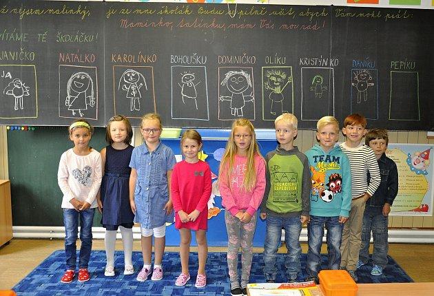 Prvňáčci ze základní školy vPopelíně.