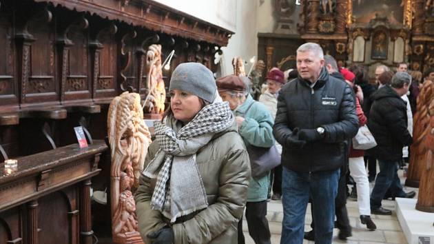 Výstava betlémů a dřevořezeb v kostele sv. Jana Křtitele.