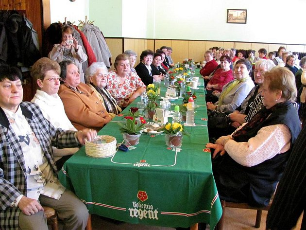 Mezinárodní den žen v restauraci Jiskra v Jindřichově Hradci.
