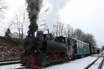 Na Silvestrovskou jízdu parním vlakem se vydaly desítky cestujících.