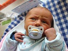 Matyáš Valek se narodil 6. prosince ve 2 hodiny a 47 minut Ditě a Tomášovi Valkovým ze Studené. Vážil 3320 gramů a měřil 50 centimetrů.