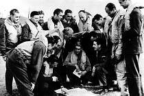 Vilém Göth je nositelem in memoriam čs. vojenských vyznamenání. V roce 1947 mu byla odhalena vDačicích na domě 63/I pamětní deska a pojmenován po něm místní aeroklub.
