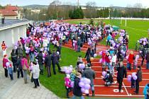 Vypouštění balónků Ježíškovi v Dačicích přineslo rekord.