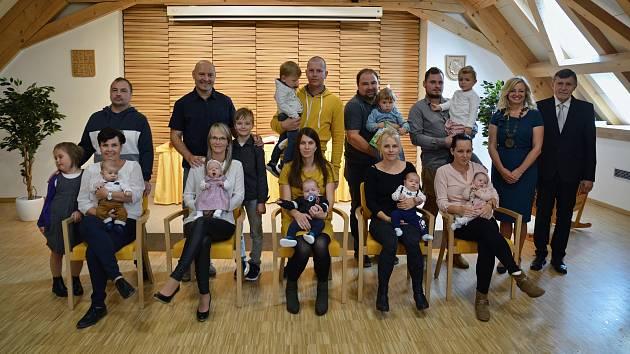 Na fotografii jsou (zleva): Viktorie Machová, Adam Šimlík, Adam Pospíchal, Nikola Vodičková a Matěj Nadlický.