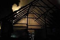 Novoroční požár stodoly v Nítovicích na Kardašovořečicku.