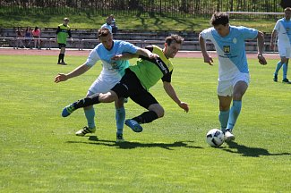 Hradečtí fotbalisté doma vyhráli nad Osekem 3:1.