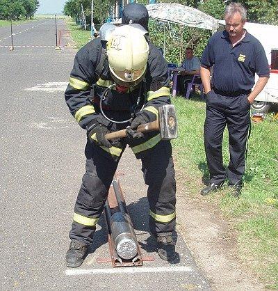 Ondřej Vajo ze Suchdola nad Lužnicí  v soutěži Železný hasič.
