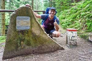Cestovatel Jan Hocek vymyslel nejdelší a vedené poutní a turistické dálkové trasy v České republice. Severní a Jižní stezku, které zanesl do stejnojmenných knih.