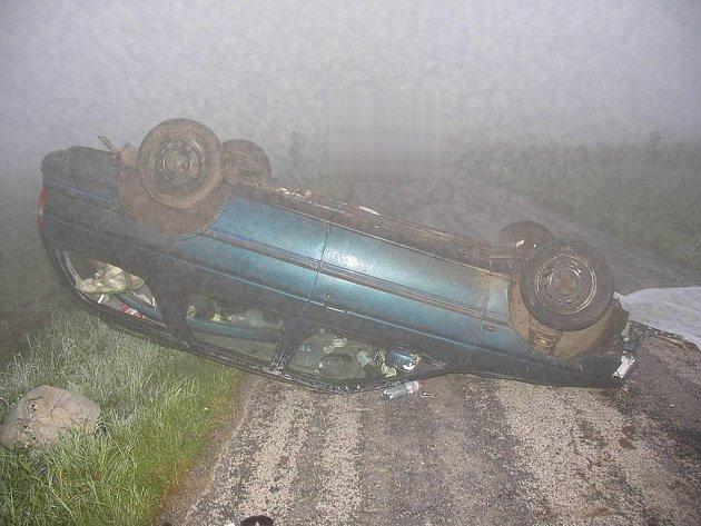 Noční tragická dopravní nehoda u Hůrek na Novobystřicku.