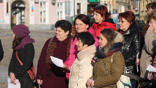 Obyvatelé Jindřichova Hradce si připomněli památku obětí holokaustu z roku 1944.