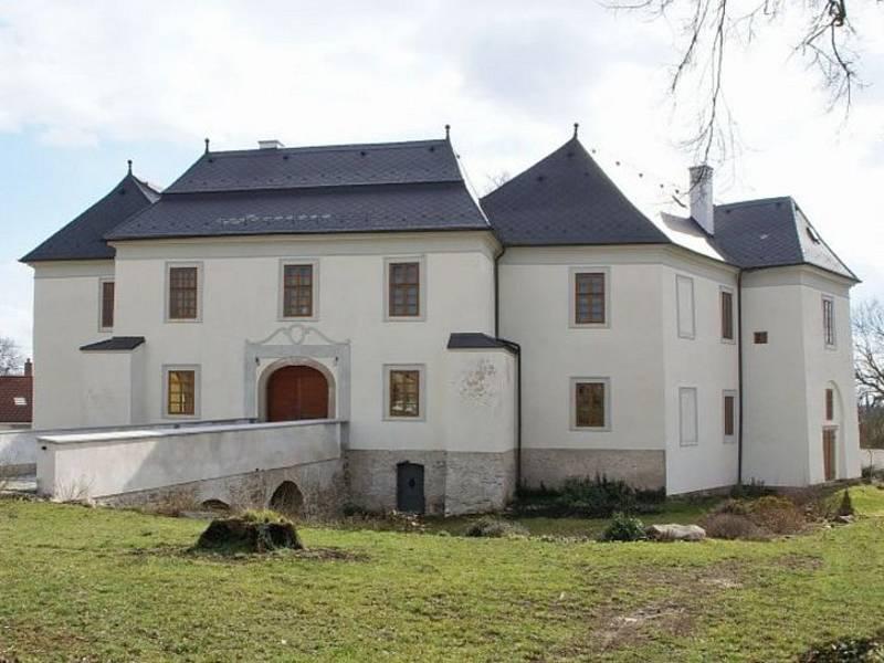 Zámek v Pluhově Žďáru.