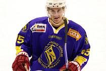 Ruský útočník ve službách Vajgaru Pavel Žukov byl jedním z mála jindřichohradeckých hokejistů, jejichž výkon v nepovedeném utkání s Pelhřimovem (2:5) snesl přísnější kritéria.