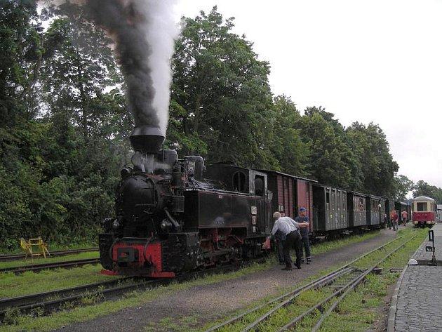 Parní vlaky jezdí v ČR nejvíc na hradecké úzkokolejce.
