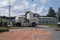 Nehoda na přejezdu u cementárny v nové Vsi nad Lužnicí.