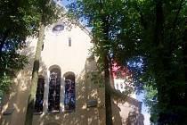 Kostel v Novosedlech nad Nežárkou.
