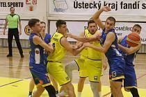 Basketbalový zápas mezi Litoměřicemi a Jindřichovým Hradcem