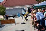 Hasičská soutěž v netradiční štafetě a požárním útoku ve Stráži nad Nežárkou.