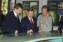 V dubnu 2004 pobýval prezident v třeboňských lázních a u této příležitosti i slavnostně přestřihl pásku nové Expozice Třeboňsko krajina a lidé.