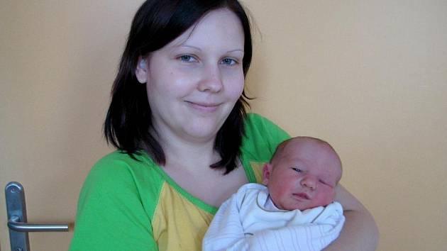 Natálie Strnisková z Jindřichova Hradce se narodila 4. listopadu 2011 Sandře Brablíkové a Petrovi Strniskovi. Měřila 47 centimetrů a vážila 3 400 gramů.