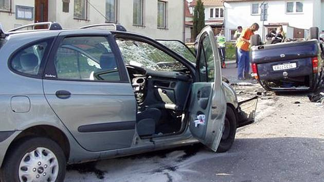 V neděli pět minut před 16 hodinou doplatil životem na riskantní jízdu osmadvacetiletý řidič.