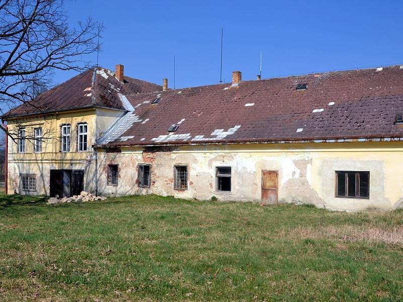 Zámek Dobrohoř u Starého Města pod Landštejnem.