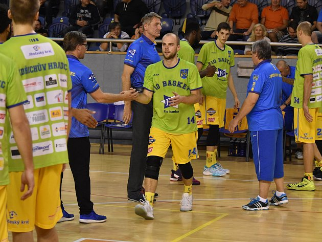 NOVÁČEK v dresu Fio basket Martin Bašta.