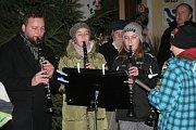 V Lužnici si koledy zazpívali i s dětmi z místní mateřinky a základní školy.