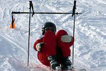Žákům Základní školy v Českém Rudolci se v Dolním Radíkově (na snímku), kde byli na týdenním lyžařském výcviku, moc líbilo.
