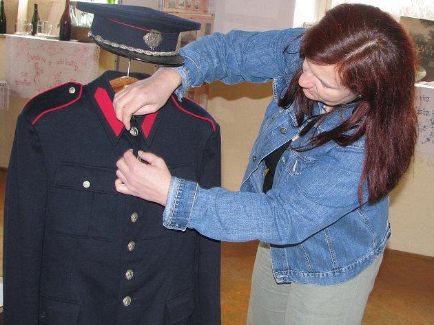 Výstavu Paměť v Roseči připravovala  i Simona Bohatá.
