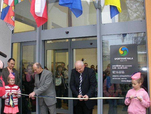 Otevření nově zrekonstruované sportovní haly v Dačicích.
