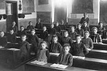 Školní fotografie ze školního roku 1925 - 1926.