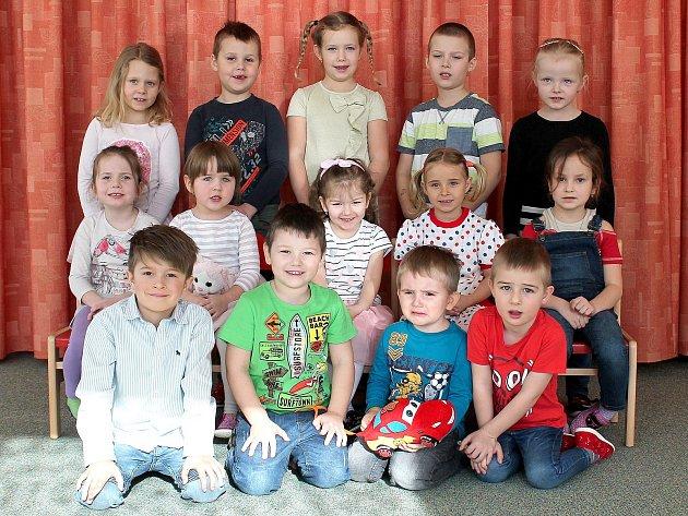 """3. mateřská škola """"UMerkuru"""" na sídlišti Vajgar vJindřichově Hradci – třída Motýlci."""