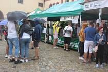 Oblíbenost Regenta z 640 let starého pivovaru v Třeboni v sobotu déšť nijak neoslabil.