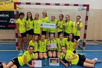 Jindřichohradecké mladší žákyně vybojovaly bronzové medaile na MČR v házenkářském desetiboji.