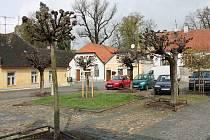 Zákostelecké náměstí v J. Hradci. Ilustrační foto.