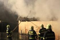 Požár stodoly v Deštné.