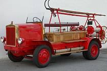 Dobrovolní hasiči v Třeboni mají historickou stříkačku.