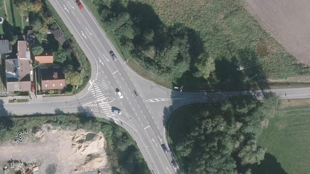 Nebezpečná křižovatka na okruhu.