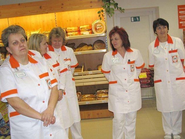 Slavnostní otevření nové prodejny Jednoty v Lomnici nad Lužnicí.