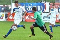 Třeboňský útočník Michael Djurov (vlevo) se na hladkém vítězství svého týmu nad Kaplicí (5:0) podílel dvěma góly.