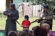 Představení Tři veteráni v podání ochotníků z Pluhova Žďáru a jejich přátel.