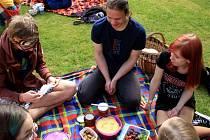 V Jindřichově Hradci již popáté férově posnídali. Lidé vyjádřili podporu fair trade.