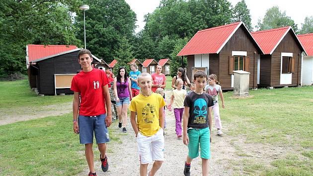 Letní dětský tábor Bílá skála přivítal letošní první dětské návštěvníky.