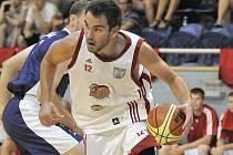 Křídelní hráč basketbalistů Lions J. Hradec Roman Zachrla.
