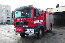 Slavnostní předání nové cisterny dobrovolných hasičů v Českých Velenicích se chystá v sobotu.