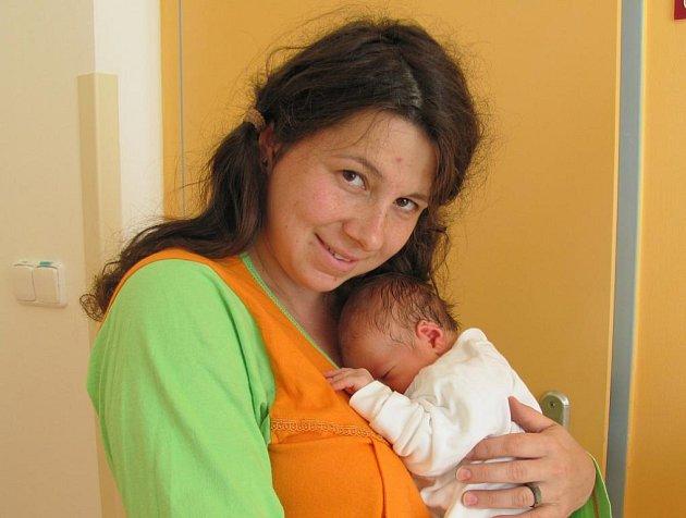 Tarik Harman z Jindřichova Hradce se narodil 26. září 2011 Haně a Umitovi Harmanovým. Měřil 51 centimetrů a vážil  3 250 gramů.