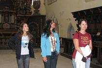Prohlédnout si Jindřichův Hradec, mimo jiné i muzeum a kostel sv. Jana Křtitele, přijeli i turisté z Košic.